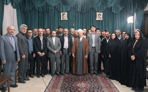 عکس یادگاری اعضای محترم شورای شهر بهبهان با آیت الله هاشمی رفسنجانی