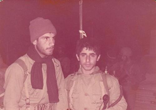 مرحوم مهدی حق پرست (سمت چپ) در کنار شهید رضا دهدشت