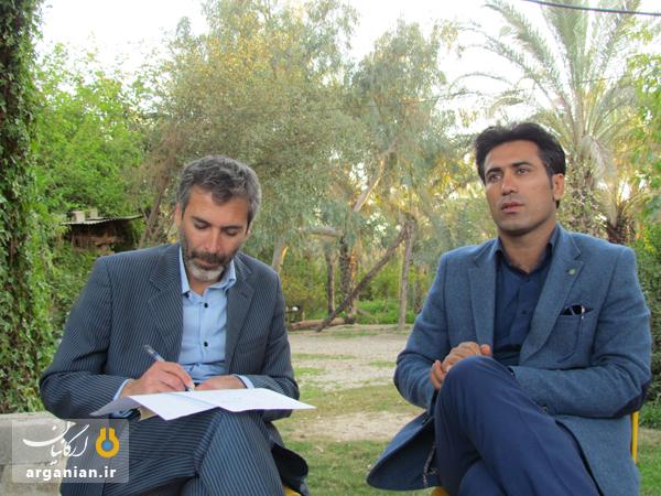 آقایان حق جو (سمت راست) و حسین آخوندی (سمت چپ) از وکلای محترم دادگستری و مشاورین حقوقی پرونده
